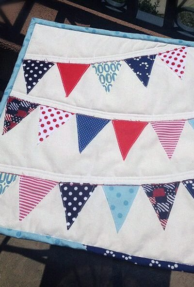 Patriotic Pennant Mini Quilt!