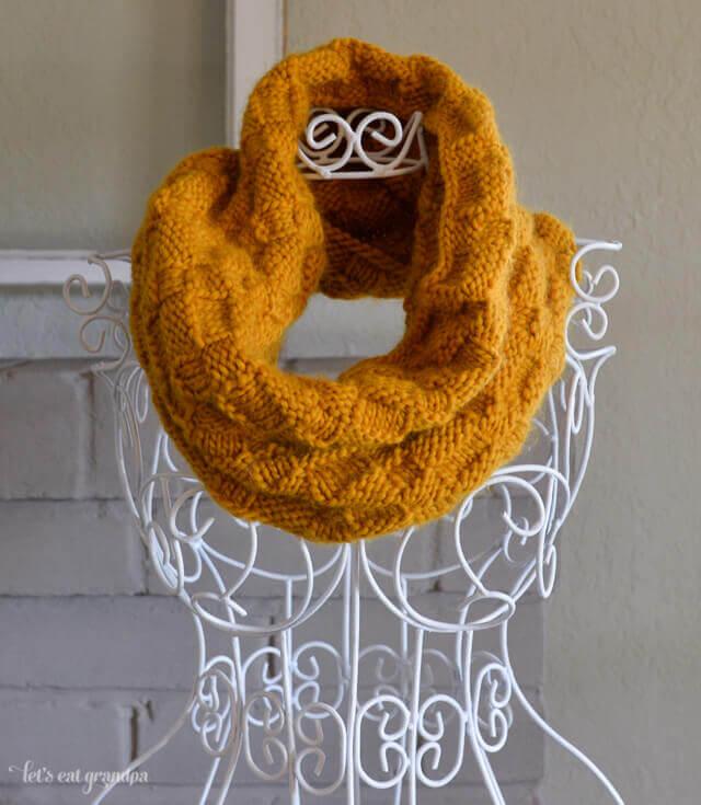 Roving wool basket weave cowl
