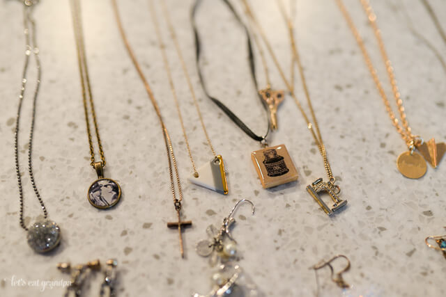 A Life More Simple: De-Junking Your Jewelry