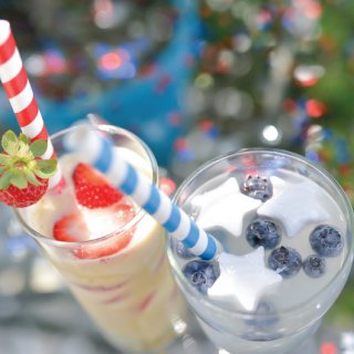 Cool off and celebrate the Fourth of July or Memorial Day with these fun and festive stars and stripes drinks! Can be made with or without alcohol.