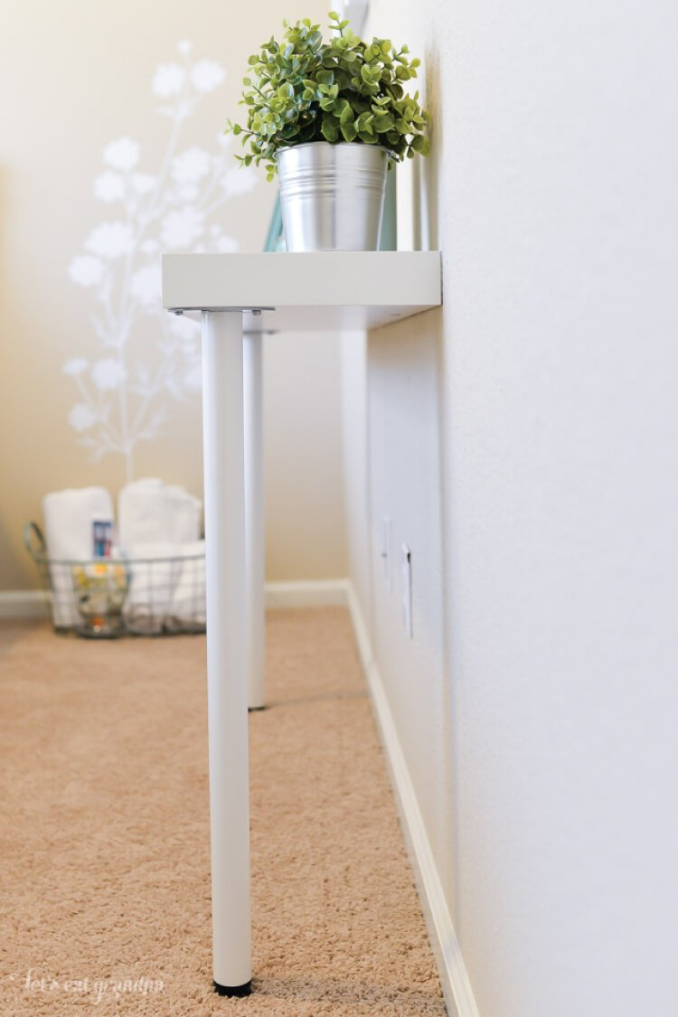 Attrayant Need A Storage Table But Short On Space? You Can Hack Together This IKEA  Console