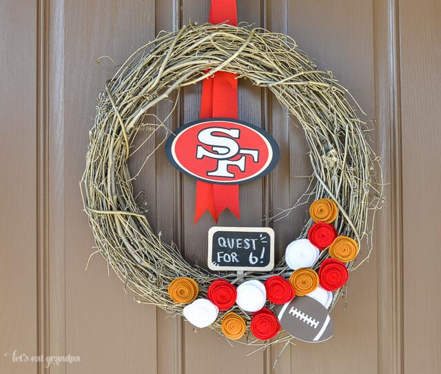 DIY 49ers Wreath by @letseatgrandpa