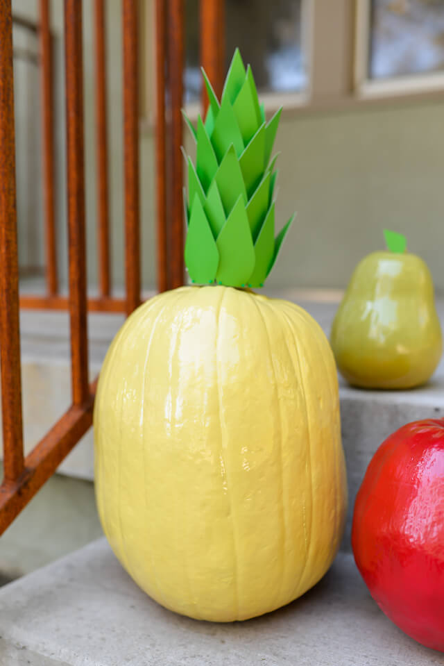 Dress up your pumpkins for Halloween with this easy fun project from @letseatgrandpa!