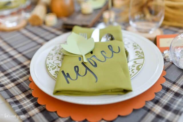 green napkin place setting