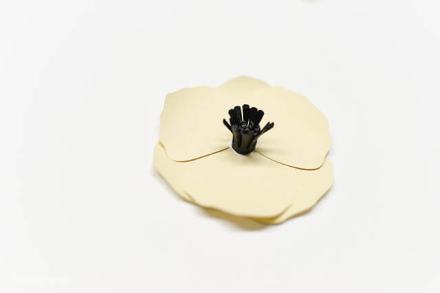 How to Assemble the Cricut Poppy - Gluing the center to the petals