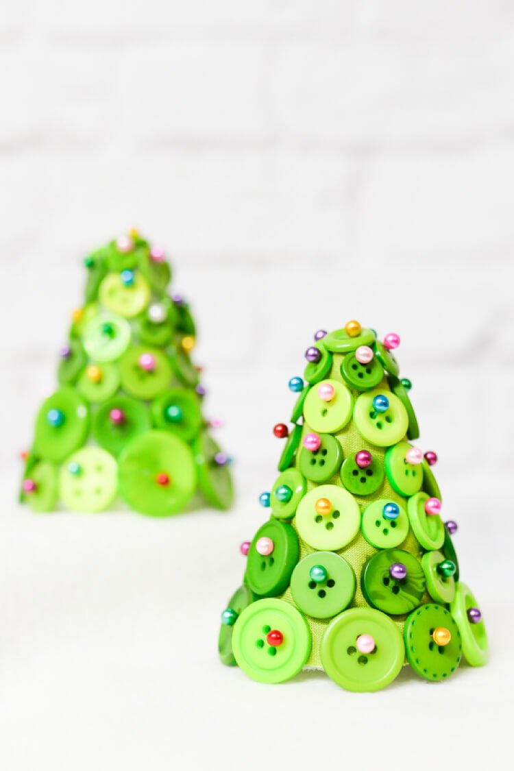 DIY Button Christmas Trees - Hey, Let\'s Make Stuff