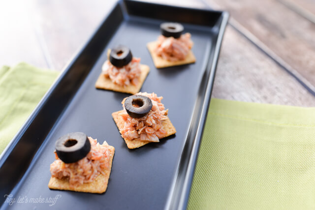 These healthy tuna bites are a great alternative to traditional mayonnaise-based tuna salad.
