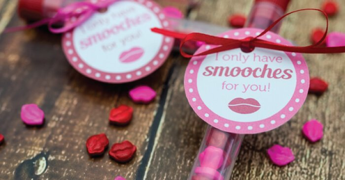kiss Valentines DIY craft with smooches printable