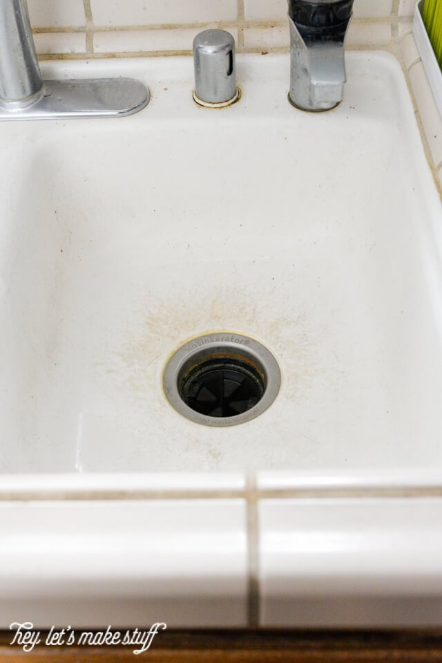 After hearing that Barkeeper's Friend would clean my nasty porcelain sink, I thought I'd give it a shot. Did it work? Stop by and see for yourself!