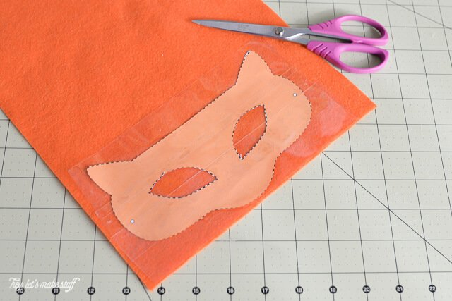 paper template on orange felt for Kung Fu panda mask