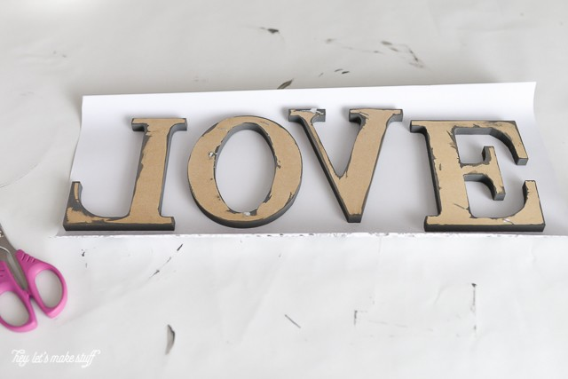 Make these simple, pretty LOVE letters in less than 15 minutes! #craftlightning