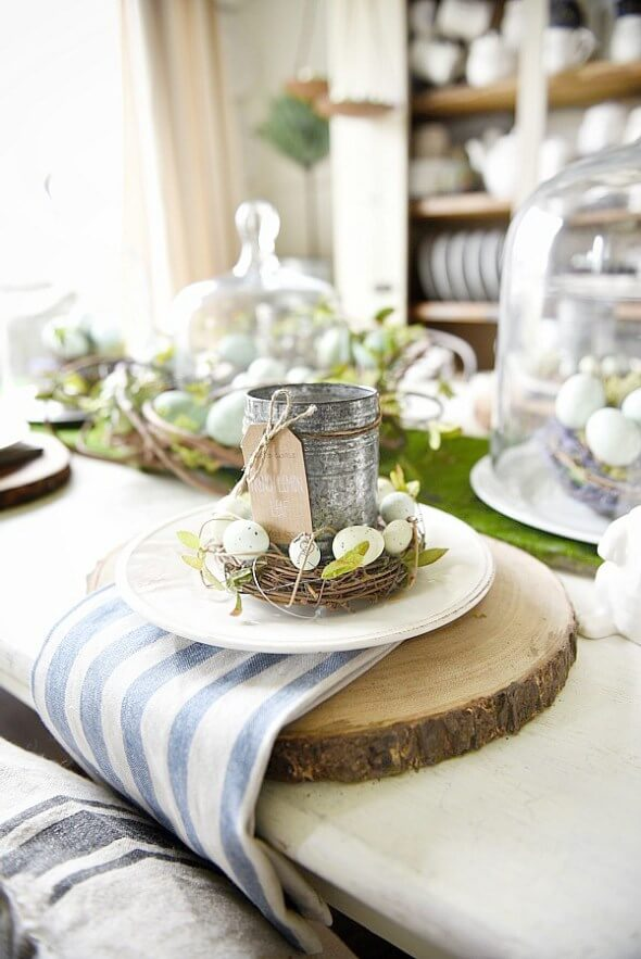 Springy Moss Egg Easter Table