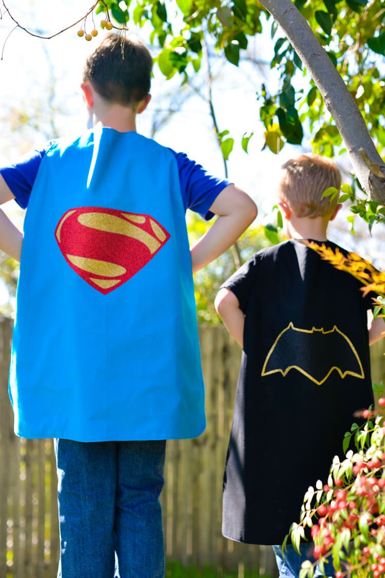 Batman and Superman get an update in the new Batman v Superman movie! Get the free cut file for their new logos, plus learn how to sew a quick cape!