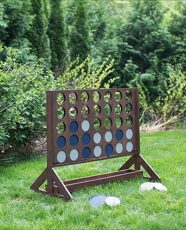 outdoor wedding games - giant Connect Four