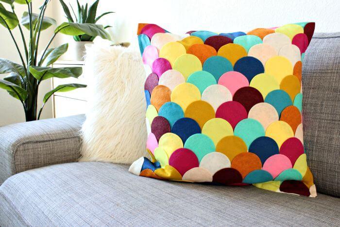 DIY Scallop Pillow - Classy Clutter