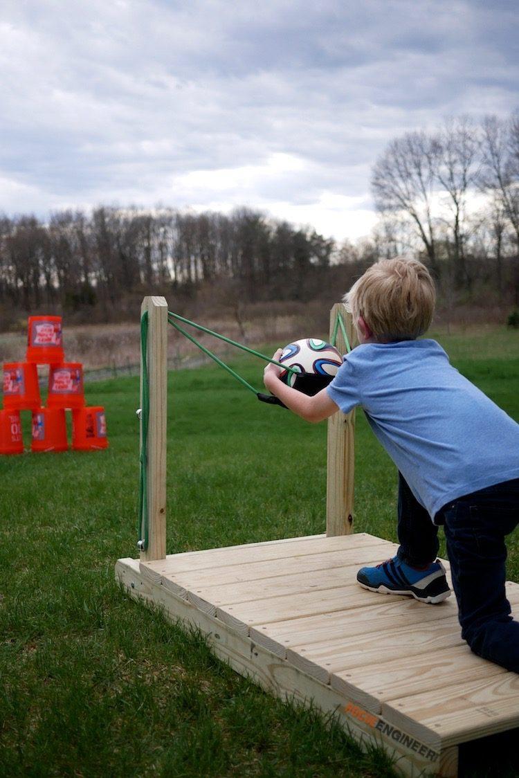 outdoor lawn games - slingshot