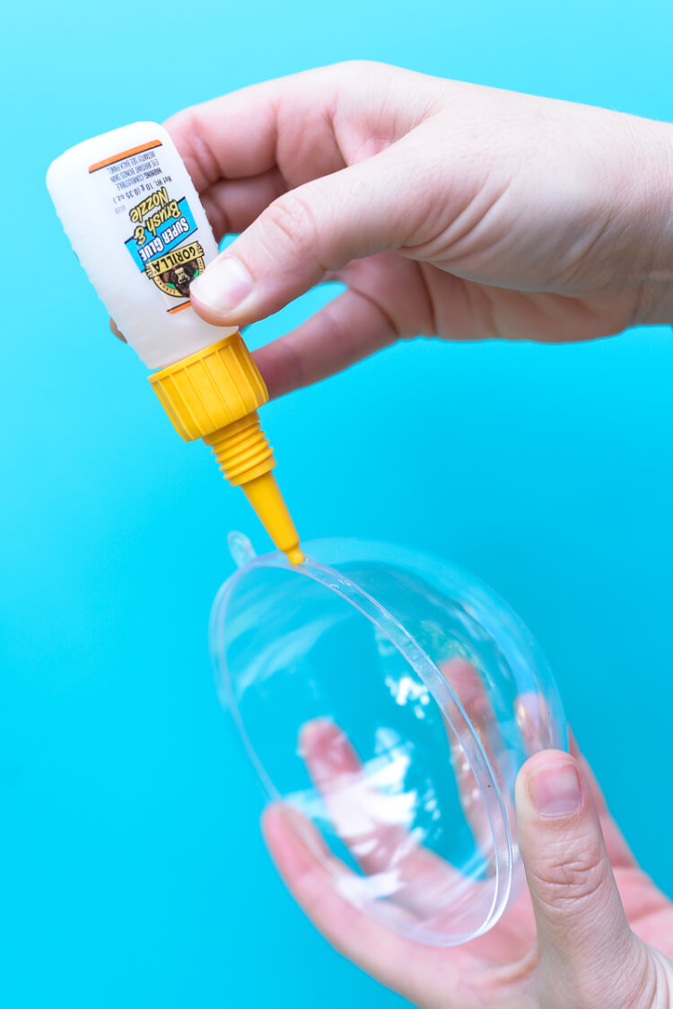toddler sound shakers - use Gorilla Glue on the sides to hold them together