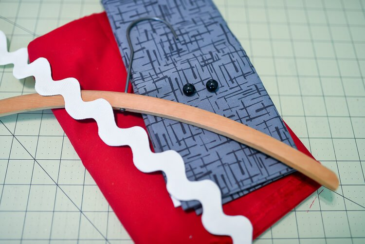 easy-sew shark clothespin holder supplies