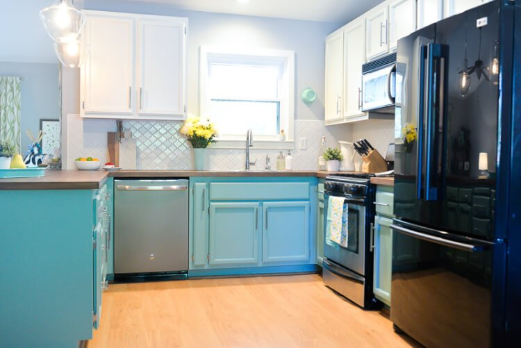 We Totally Transformed Our Dated 1980u0027s Kitchen With Bright Painted Cabinets,  New Lighting, And