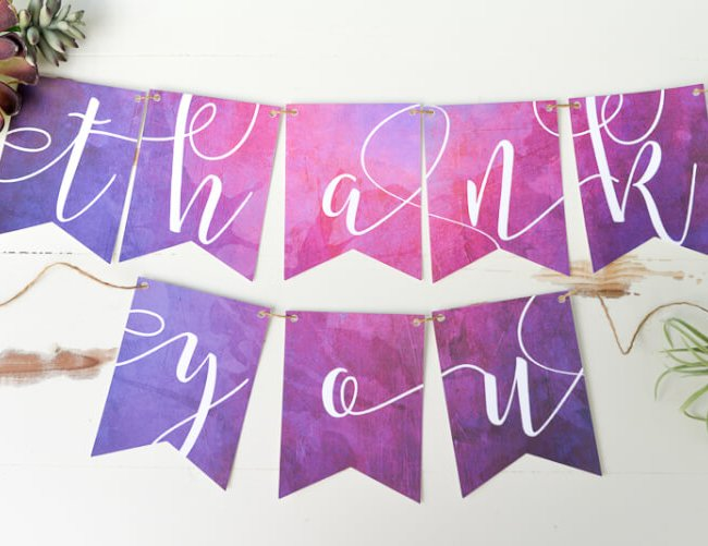 Use the Cricut Explore's Print Then Cut feature to make this beautiful THANK YOU banner for your wedding, in three gorgeous watercolors!