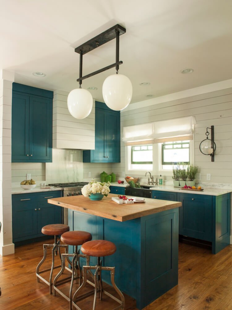 Charmant Painting Your Cabinets A Fun Shade Of Teal Might Feel Like A Big Risk
