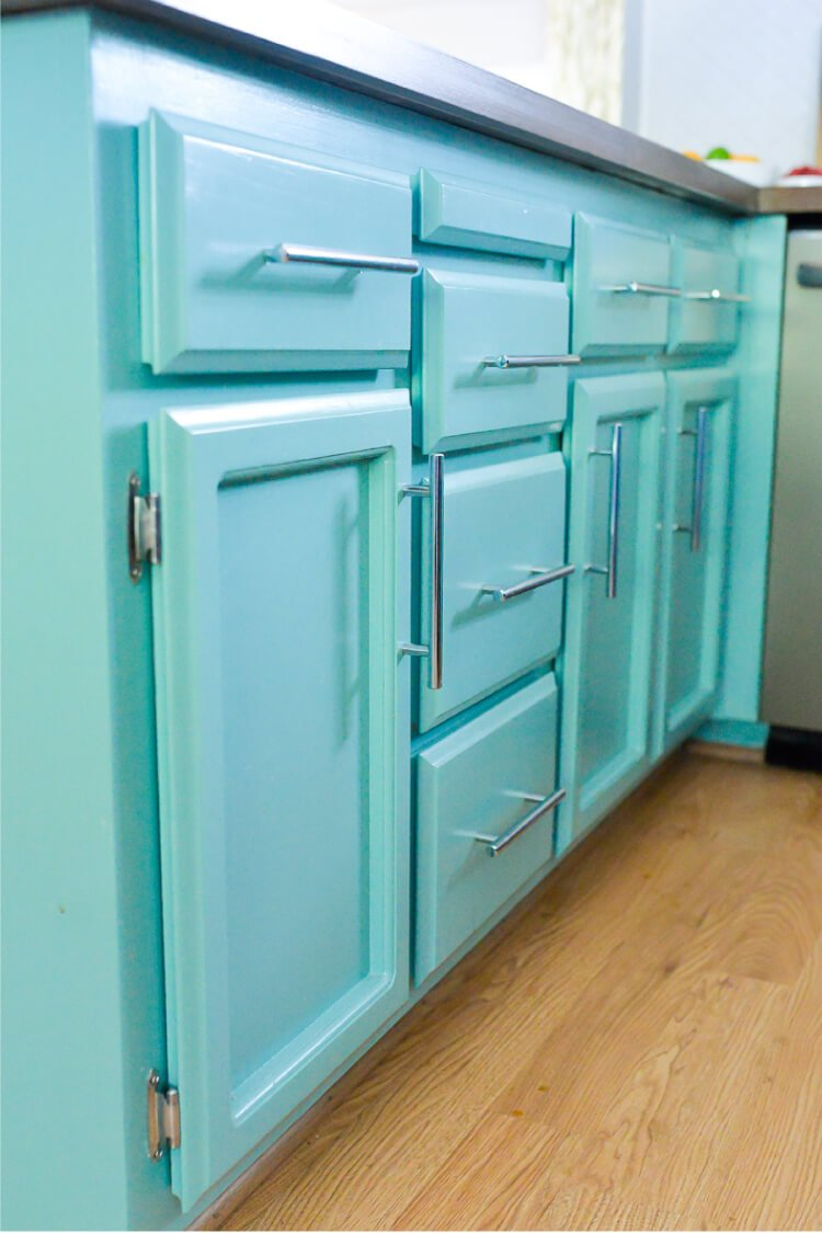 How to Paint Cabinets using Latex Paint and a Paint Sprayer - Hey ...