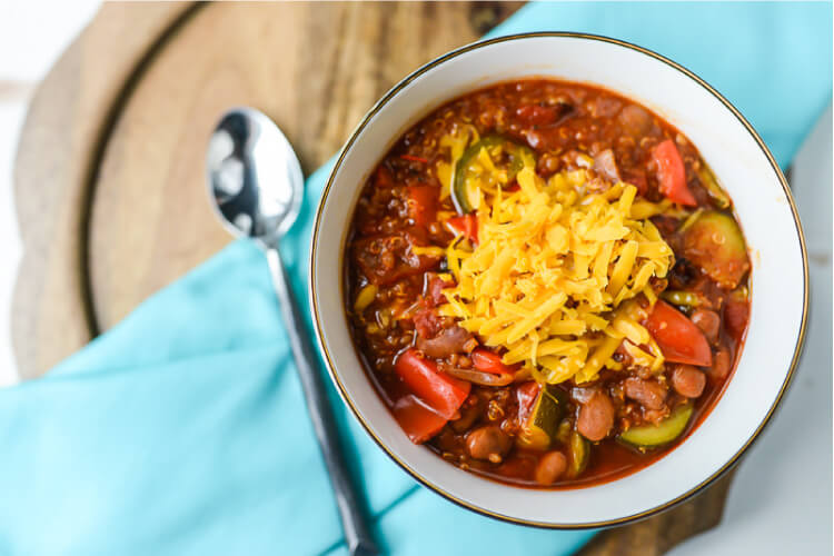 Instant pot vegetarian chili with quinoa hey lets make stuff his simple but delicious vegetarian chili tastes like it simmered all day in your slow cooker forumfinder Images