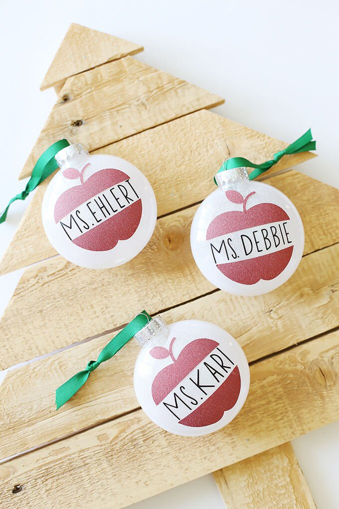 DIY Christmas Ornaments with the Cricut - Hey, Let's Make ...