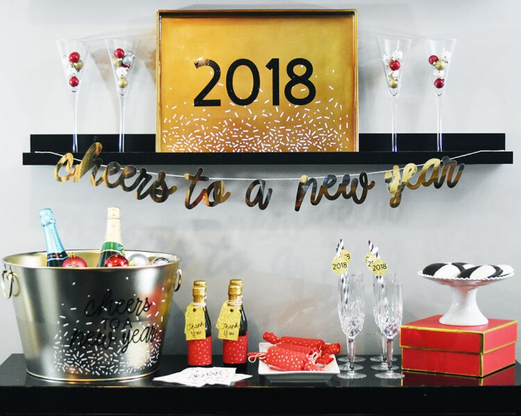 Get ready for the new year with these fun new year 39 s eve for Fun new years eve party ideas