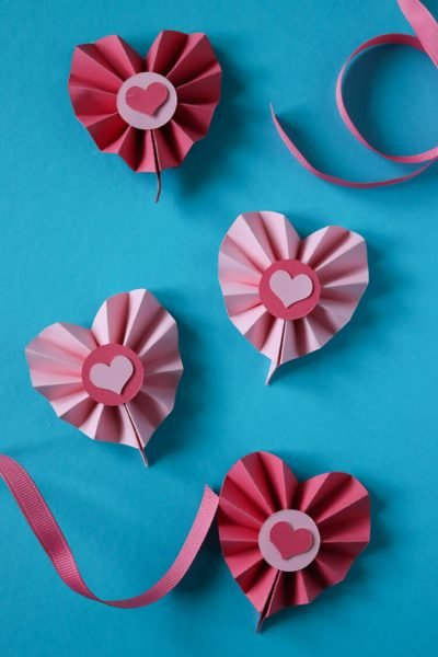 Paper Rosette Hearts using the Cricut