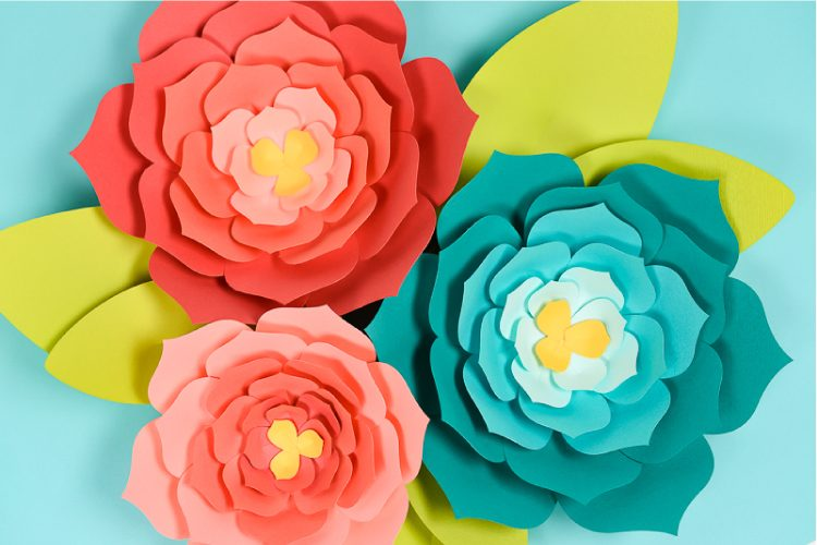 giant paper flowers using a Cricut