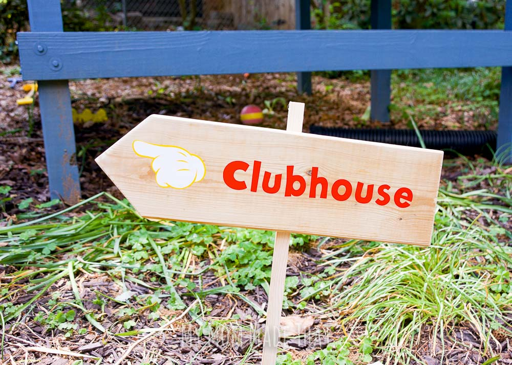 Easy Mickey Mouse Clubhouse Sign from mymommadethat.com