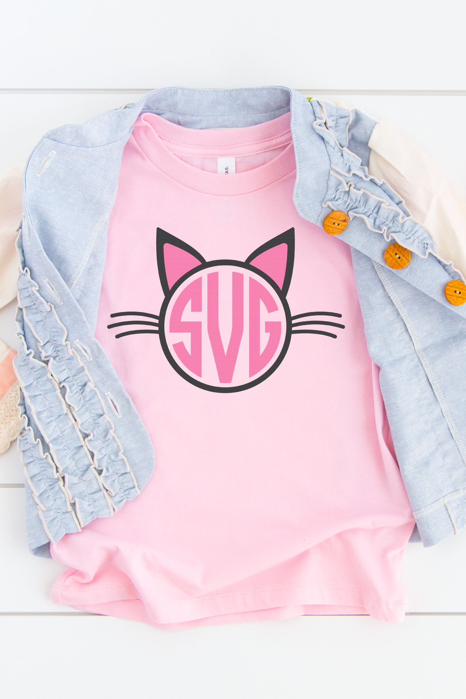 Cat monogram on pink kid's shirt